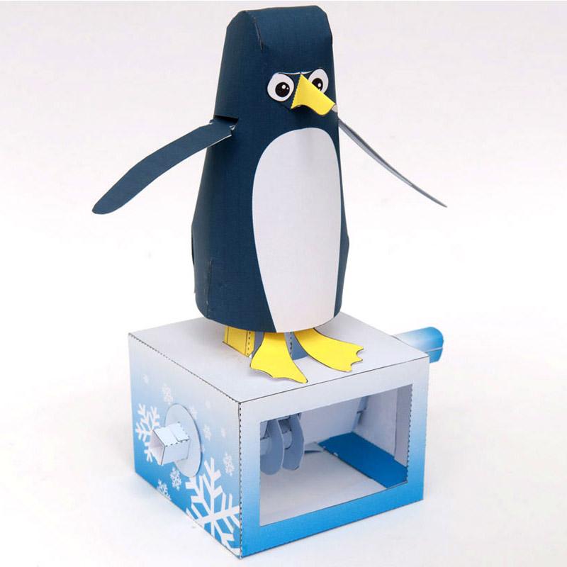 Papercraft imprimible y recortable de un pingüino con movimiento. Manualidades a Raudales.