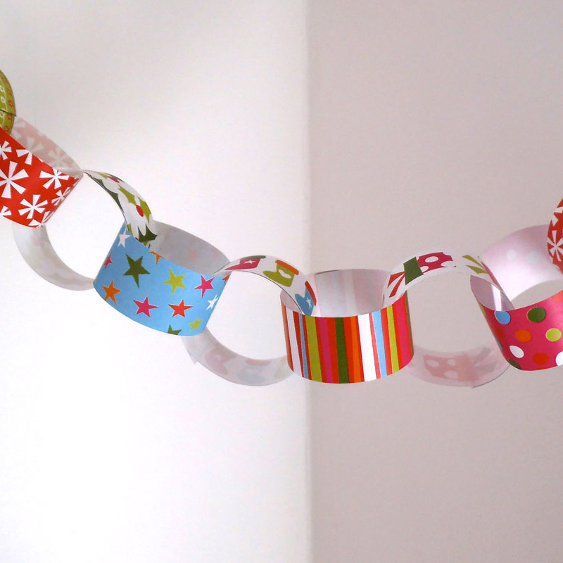 christmas paper chain 2 - Christmas Chain Decorations